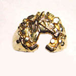 14 kt.y.g. horse head inside nugget horseshoe ring