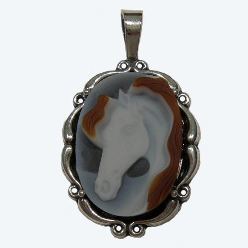 Sterling Silver banded Agate horsehead cameo pendant