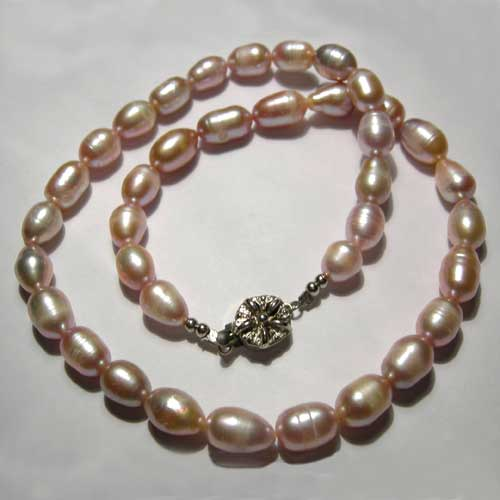 Baroque pink pearl strand