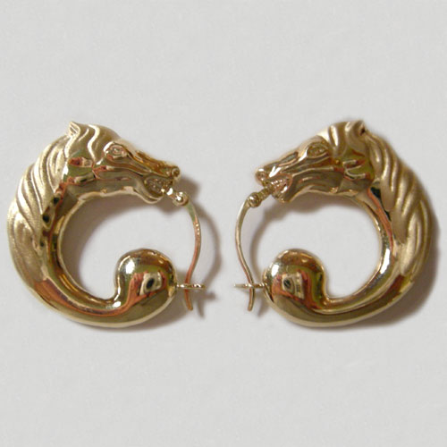 14 kt.y.g. horse head hoop pierced earrings