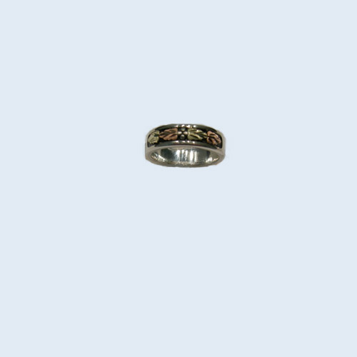 Landstrom's Black Hills Gold Sterling Silver woman's ring