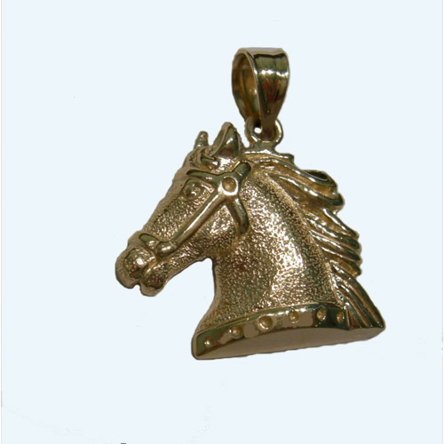 14 kt.y.g. textured horsehead pendant