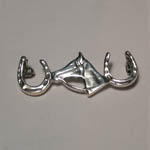Sterling Silver horse head between horseshoes brooch