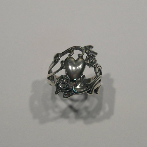 Sterling Silver Heart and flowers filigree ring
