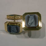 14 karat yellow gold Agate Cameo cuff links