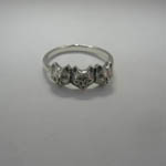 side view of three cat ring